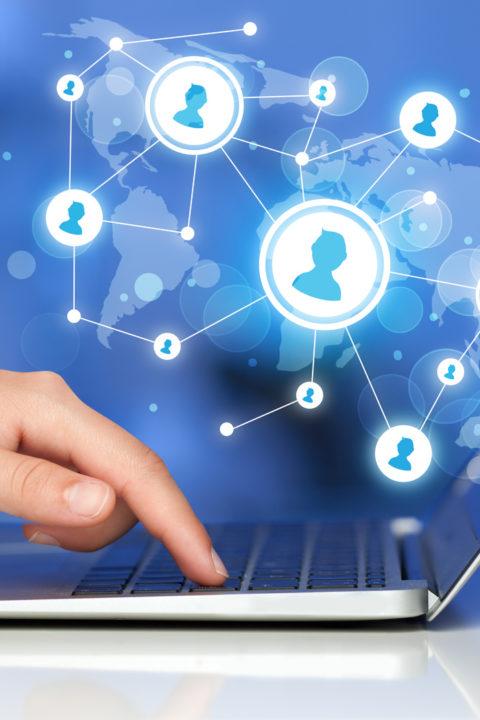 Portale społecznościowe – za i przeciw / B1